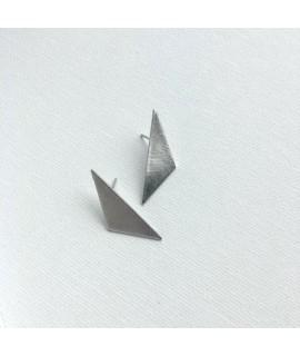 TRIANGLE zilveren driehoek oorbellen  by Fleurfatale