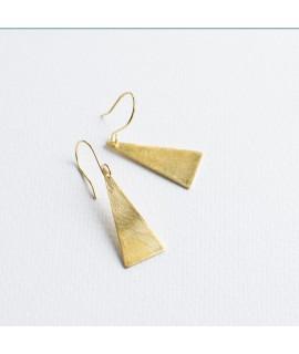 TRIANGLE goud vergulde oorbellen  by Fleurfatale