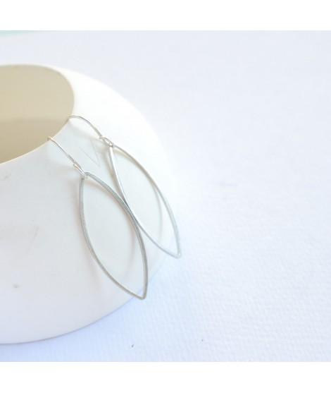 GOCCIA  zilveren druppel oorbel by Fleurfatale