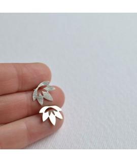 LOTUS  zilveren oorknop by Fleurfatale