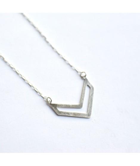FIGURES zilveren halsketting chevron by Fleurfatale