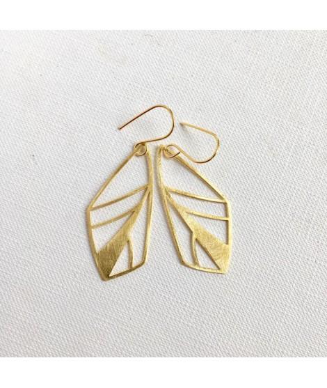 FRAGILE/NOTFRAGILE geelgouden vlinder oorhangers by Fleurfatale