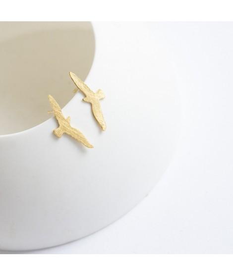 FLY  goud vergulde oorbel met vogel by Fleurfatale