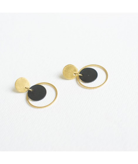 CIRCULAR goudvergulde en zwart gecoate cirkels by Fleurfatale