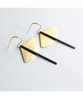 SIMPLY BLACK earings gold & black  by Fleurfatale
