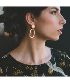 AMINA goude vergulde ellips oorbellen by Fleurfatale