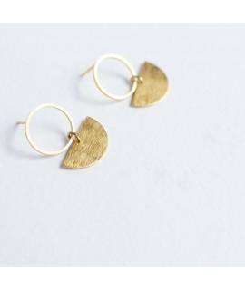 goud vergulde oorbellen cirkel en maan by Fleurfatale