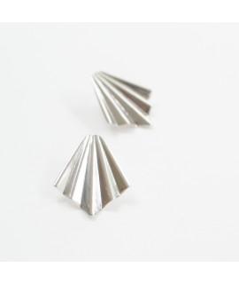 FRIDA zilveren waaier oorbellen by Fleurfatale