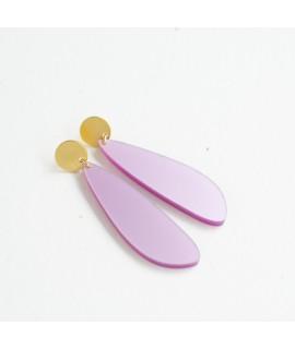 Gouden oorbel met zachtfuchsia druppel hanger by Fleurfatale