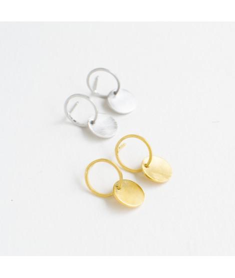 zilveren en goudvergulde oorbellen met cirkeltjes by Fleurfatale