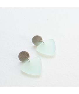 Zilveren oorbel met muntgroene hanger