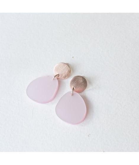 roséGouden oorbel met lichtroze pebble by Fleurfatale