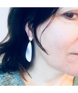 gouden oorbellen met ijsblauwe druppel by Fleurfatale