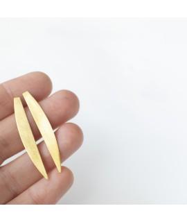 MOON, lange slanke goud vergulde halve maan oorstekers by Fleurfatale