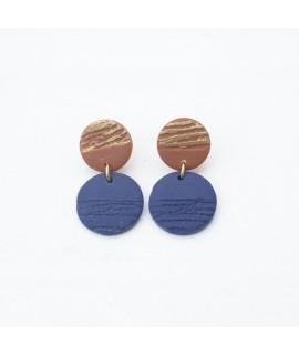Terracotta en blauwe  klei oorbellen met goudluster by Fleurfatale