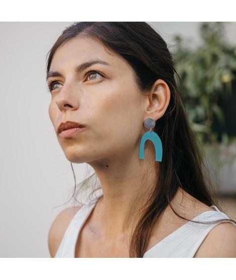 zilveren oorbellen met ijsblauwe druppels by Fleurfatale