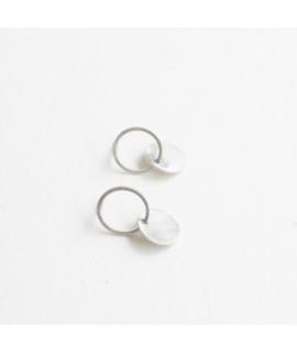 zilveren ookrnop met cirkels by Fleurfatale