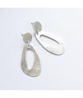 Handgemaakte hedendaagse zilveren oorhangers by Fleurfatale uit Gent