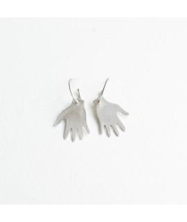 goudvergulde en zilveren frida kahlo hand earrings oorbellen,   by Fleurfatale in Gent