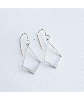 Zilveren geometrische oorbellen by Fleurfatale in Gent
