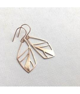 FRAGILE/NOTFRAGILE rose goud vergulde  vlinder oorbellen  by Fleurfatale