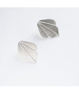 FRIDA  zilveren waaier oorbellen by Fleurfatale in Gent