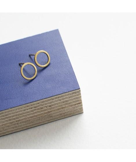 zilveren of goud vergulde oorstekers met cirkels en by Fleurfatale uit Gent asymmetric