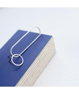trisk, zilveren en goudvergulde assymetrische oorstekers by